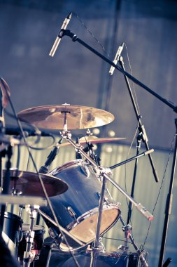 Drums and microphones