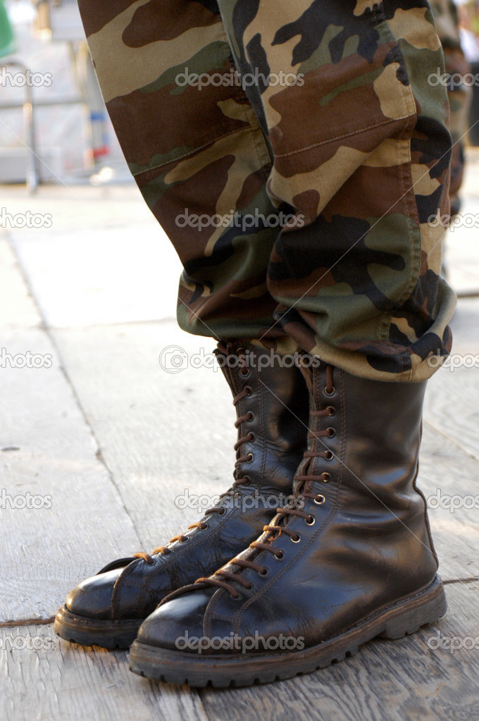 boot-fetish-military