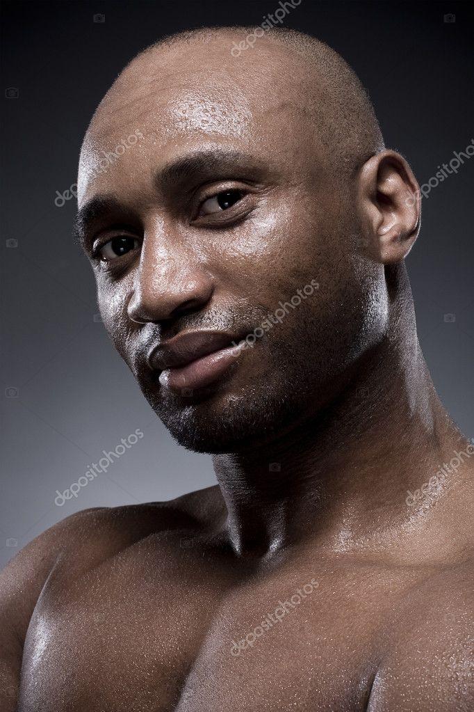 Hommes Noirs Sexy homme noir avec un corps fort et sexy — photographie slinky © #3431023