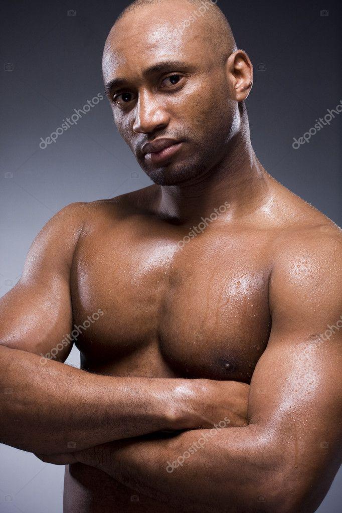 Hommes Noirs Sexy homme noir avec un corps fort et sexy — photographie slinky © #3431040