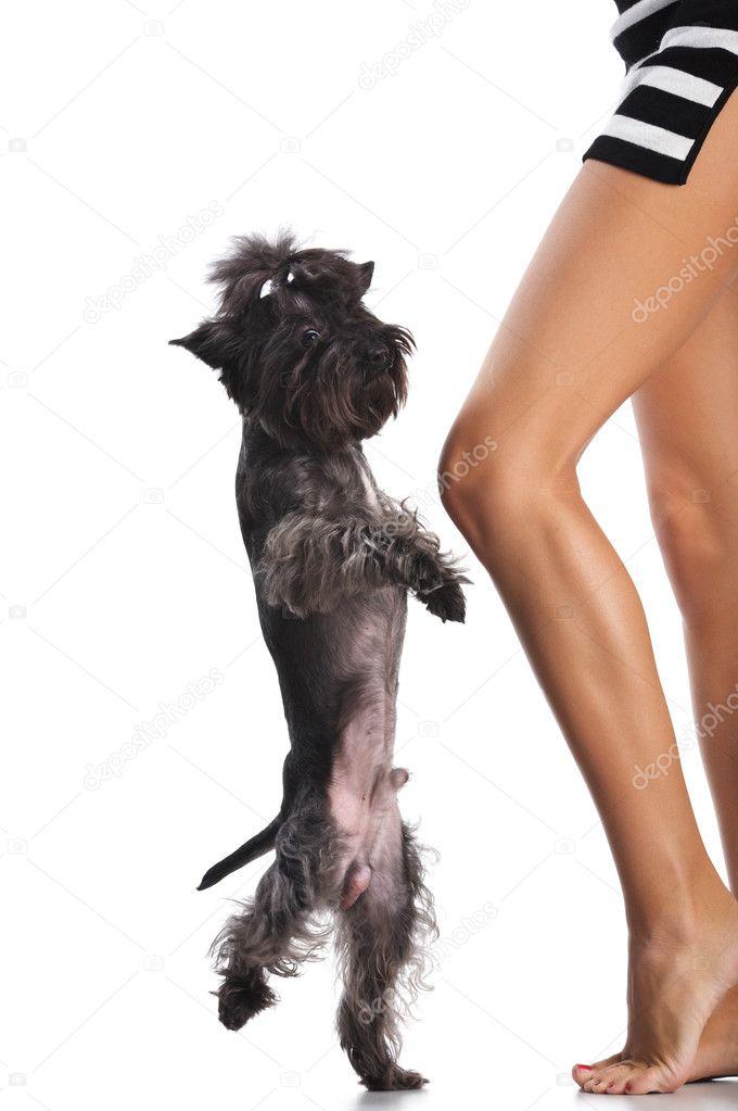 frau mit hund nackt