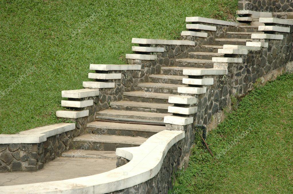 escalier de jardin — Photographie bluemarine © #3652993