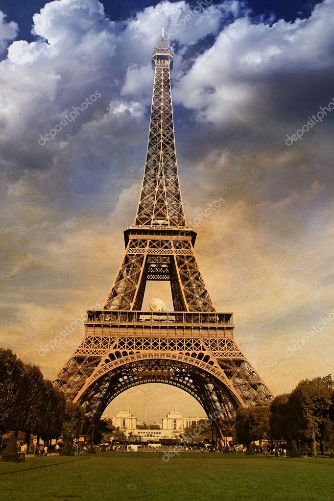 Curves of the Eiffel