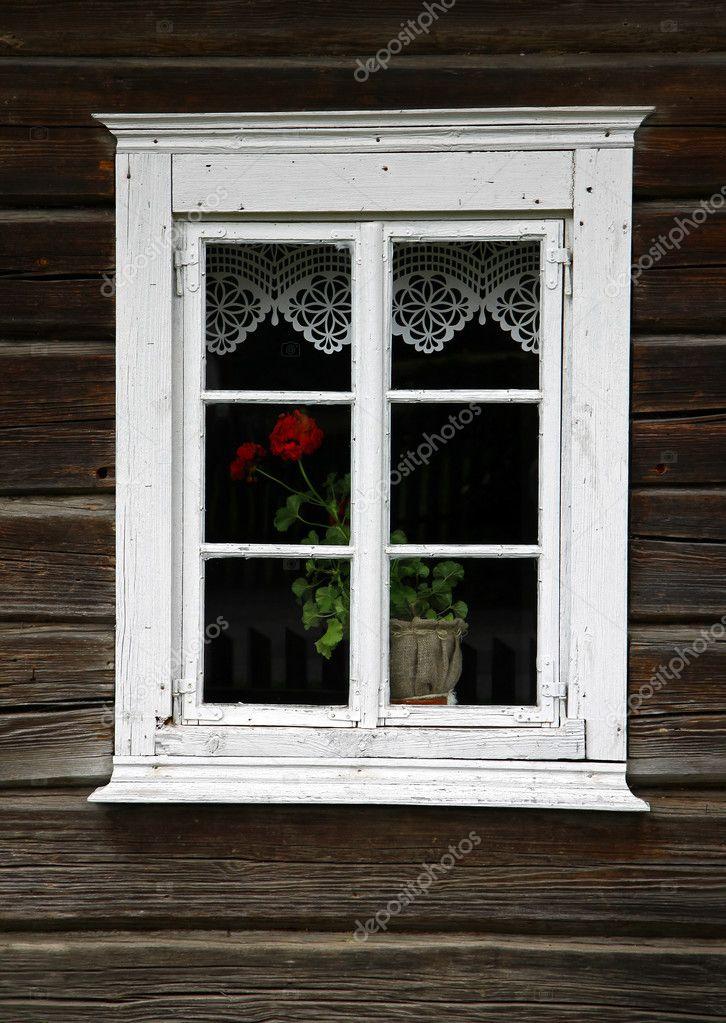 Landhaus Fenster Stockfoto C Cebas1 3875651