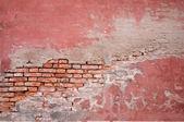 vieux mur de brique et de stuc