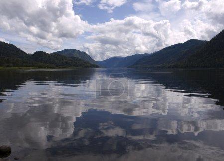Photo pour Teletskoïe lac, Russie, kraï de l'Altaï - image libre de droit