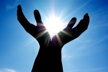 Sol en las manos