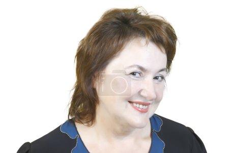 Photo pour Portrait d'une vieille femme avec beau sourire isolé sur fond blanc - image libre de droit