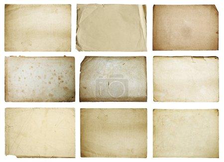 Photo pour Vieux papiers isolés sur fond blanc avec chemin de coupe - image libre de droit