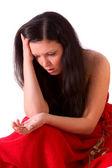 Rozvod. smutná žena hospodářství zlatý prsten