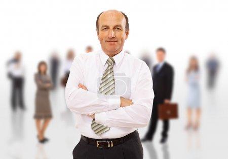 Homme d'affaires et son équipe isolés sur fond blanc