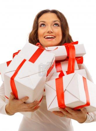 Photo pour Photo de joyeux santa helper avec boîte-cadeau - image libre de droit