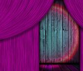 Fából készült Pódium lila függöny mögé