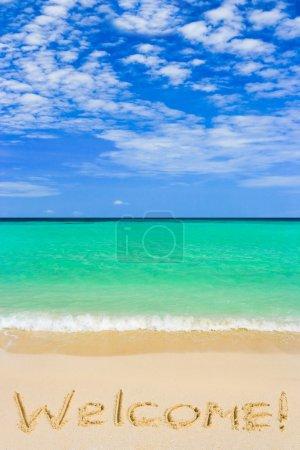 Photo pour Mot de Bienvenue sur plage - fond de concept de vacances - image libre de droit