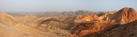 Photo pour Panorama paysage désertique au coucher du soleil - image libre de droit