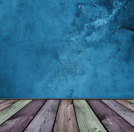 Photo pour Intérieur bleu vintage foncé et bois - image libre de droit