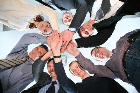 Photo pour Cercle des amis de mains 2 - image libre de droit