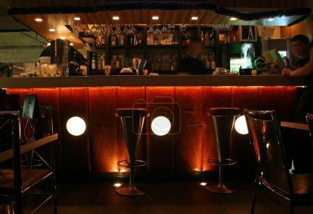 Photo pour Bar intérieur - image libre de droit