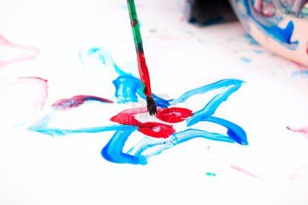 Jungen malen