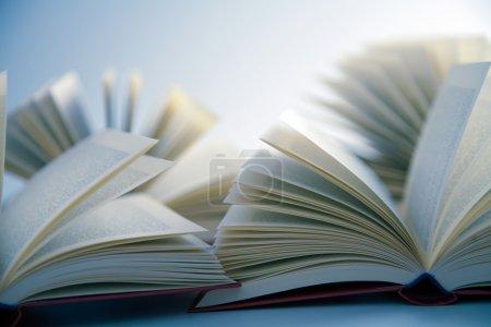 Photo pour Livres ouverts - image libre de droit
