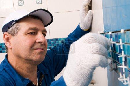 Photo pour Travailleurs de la construction au travail - image libre de droit