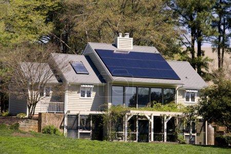 Foto de Una energía completamente solar powered investigación casa. - Imagen libre de derechos