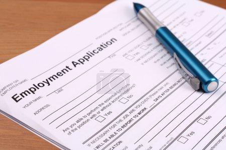 Photo pour Formulaire de demande d'emploi pour le remplissage - image libre de droit