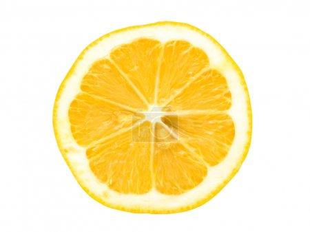 Foto de Cortar las naranjas aisladas sobre fondo blanco - Imagen libre de derechos
