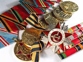 Medals to war heroes