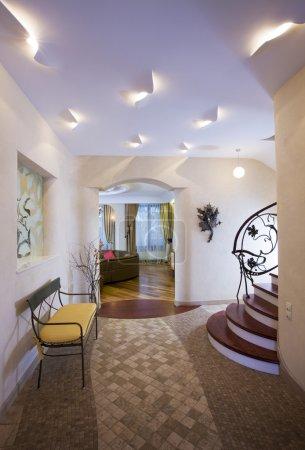 Photo pour Salle moderne de maison cher. - image libre de droit