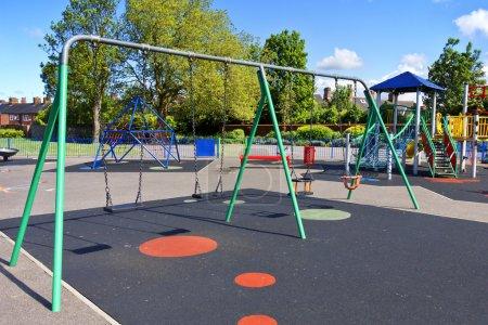 Photo pour Aire de jeux pour enfants - image libre de droit