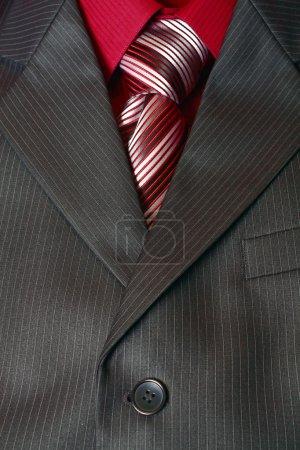 Foto de Fragmento de la camisa del hombre traje y corbata vertical - Imagen libre de derechos