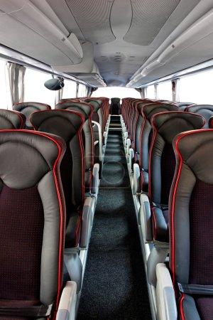 Photo pour Intérieur du grand bus autocar avec sièges en cuir - image libre de droit