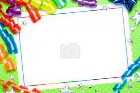 Photo pour Carte vierge avec serpentins aux couleurs vives - image libre de droit