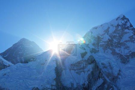 Photo pour Mont everest de pointe - image libre de droit