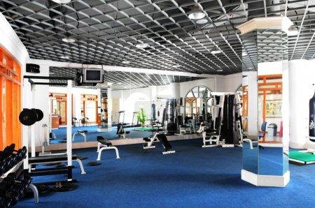 Photo pour L'intérieur du centre de fitness d'un hôtel de luxe . - image libre de droit