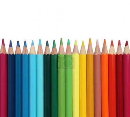 Photo pour Assortiment de crayons de couleur sur fond blanc - image libre de droit