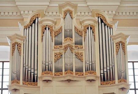 Photo pour Organe à l'intérieur de l'église de la st. casimir à vilnius, Lituanie. - image libre de droit