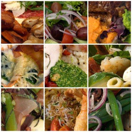 Photo pour Calzone salami, provola et ricotta, avec rami tomate & basilic - image libre de droit