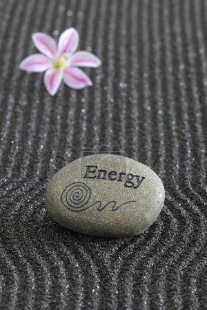 Photo pour Jardin zen en sable noir - image libre de droit