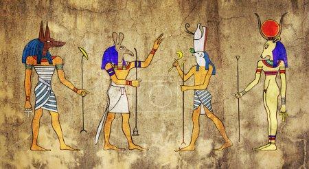 Photo pour Divers dieux égyptiens et déesse. de gauche à droite : anubis, seth, horus et hathor. - image libre de droit