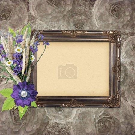 Photo pour Cadre vintage sur fond de roses grange avec des fleurs - image libre de droit