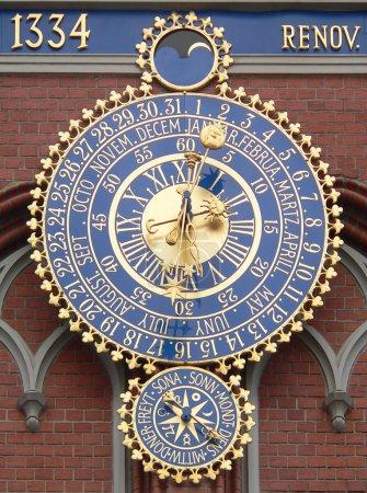 Clock-calendar