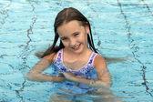 Princezna elena v bazénu
