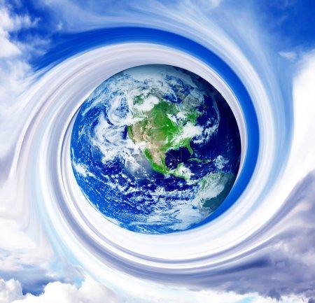 Photo pour Planète sur fond de tourbillon du ciel. Illustration conceptuelle - image libre de droit