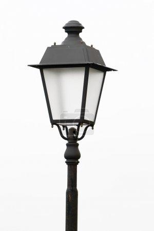 Photo pour Un vieux lampadaire isolé sur fond blanc - image libre de droit