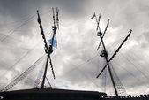 Sailing ship masts and gunter