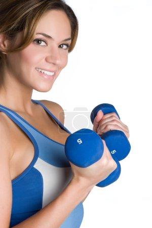 Photo pour Happy Fitness fille levant des poids - image libre de droit