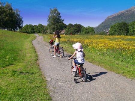 Bicycling kids