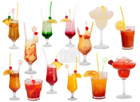 Photo pour Cocktails isolés sur blanc - image libre de droit